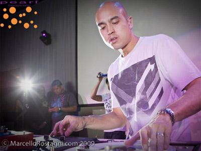 DJ Enferno on the decks!